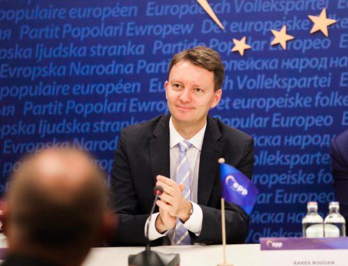 Comunicat de presă – Siegfried Mureșan: Grupul PPE va vota mâine în Parlamentul European toate măsurile propuse pentru combaterea pandemiei de COVID-19. În plus, cerem încă 4,1 miliarde de euro în Bugetul UE pentru combaterea pandemiei