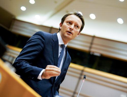 Declarație de presă – Siegfried Mureșan: Parlamentul European solicită crearea unui Fond de redresare post-COVID-19 prin care să alocăm țărilor membre fonduri suplimentare și credite în condiții avantajoase. Obiectivul este să generăm investiții de 2.000 de miliarde de euro