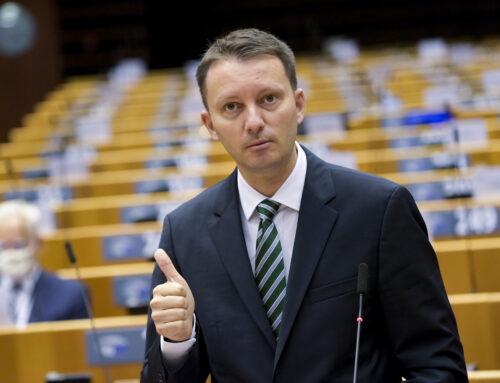 Declarație de presă – Siegfried Mureșan: Prin corelarea fondurilor europene de statul de drept, ne asigurăm că cele 80 de miliarde de euro alocate României vor merge la oamenii cinstiți și nu vor fi folosiți de politicieni corupți ca Liviu Dragnea